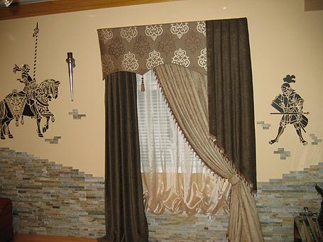 общий вид комнаты с рыцарями